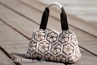 African-flower-crochet-purse-1_small2
