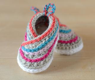 39e593ee50b Baby Kimono Slippers pattern by Caroline Brooke