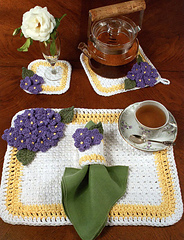 Hydrangeas_for_mother_placemat_set_small