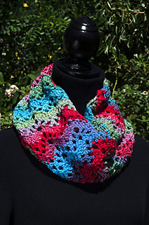 Unforgettable_ripple_cowl_smaller_small2