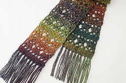 Autumn_romance_scarf_close_up_small_best_fit