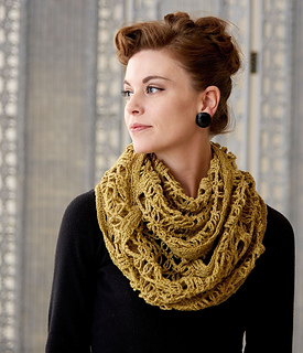 Liberty_lace_cowl_small2