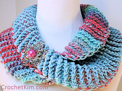 Ravelry Dueling Colors Cowl Pattern By Kim Guzman
