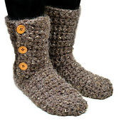 Crochet_buttoned_slipper_booties_small_best_fit