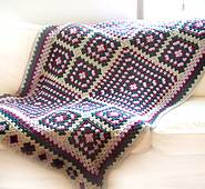 Crochet_granny_square_blanket_small_best_fit