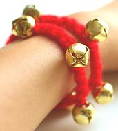Crochet_jingle_bell_bracelet_small_best_fit