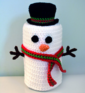 Crochet_snowman_toilet_paper_roll_cover_small_best_fit