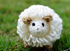 Crochet_sheep_1_small