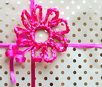 Crochet_curling_ribbon_flower_small_best_fit