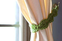 Crochet_curtain_tie_back_small_best_fit