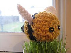 Crochet_bumblebee_small