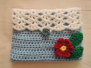 Sweet_shells_purse_finished_small2