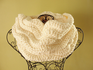 Cream_cowl_small2