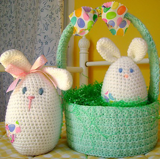 Momma_bunny___baby_with_basket_small2