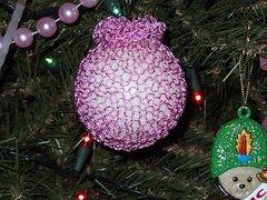 Ornamentpink_small