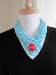 Bold_button_neckpiece_2_small