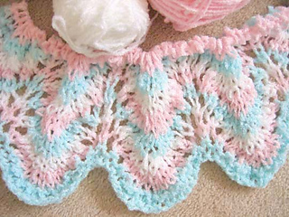 Rippling_waves_baby_blanket_start_fix_light_tlc_amore_small2