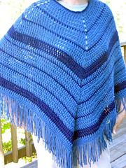 Easy_crochet_poncho_on_k_outside_1_fix_small