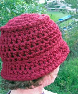 Chunky_bucket_hat_burgundy_on_k_1_small2