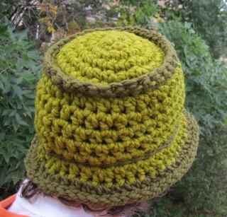 Chunky_bucket_hat_green_1_small2
