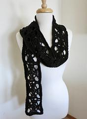 Pretty_squares_scarf_1_small