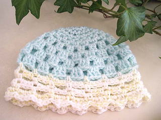 Pretty_little_baby_hat_green_yell_small2