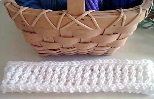 Twisty_lace_basket_trim_flat_medium