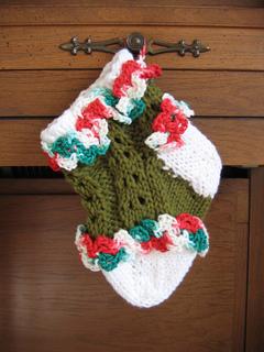 Ruffled_lace_baby_stocking_2_small2
