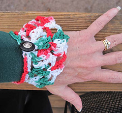 Christmas_capelet_cuff_on_k_outside_small