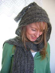 Hooded_soft_scarf_on_c_1_small