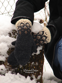 Knitted_mittens__2_small2