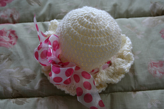 Hat_i_crocheted_for_charlie_may_at_our_church_small2