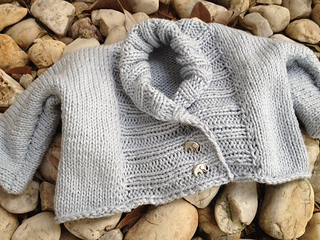 Ravelry ribbed baby jacket pattern by debbie bliss dt1010fo