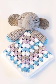 Elephant-snuggle-03_small2
