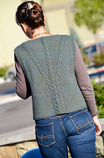 Celtic-cabled-vest-back_small2