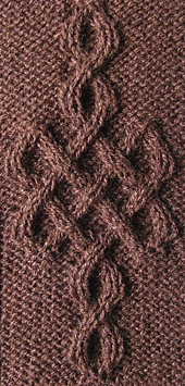 Mikaria-celtic_knot_no243_small_best_fit