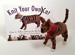 Knitted_cat_1_small