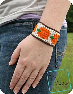 Pumpkin_bracelet_778x1000_small2