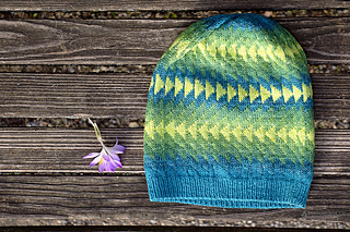 Dingle_hat_donnarossa_designs-lay_flat_outside_flower_small2