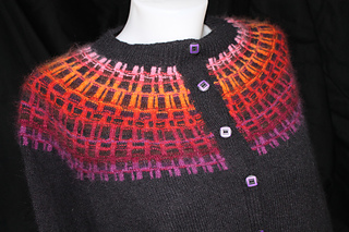 Grillwork_red_sweater_035_small2
