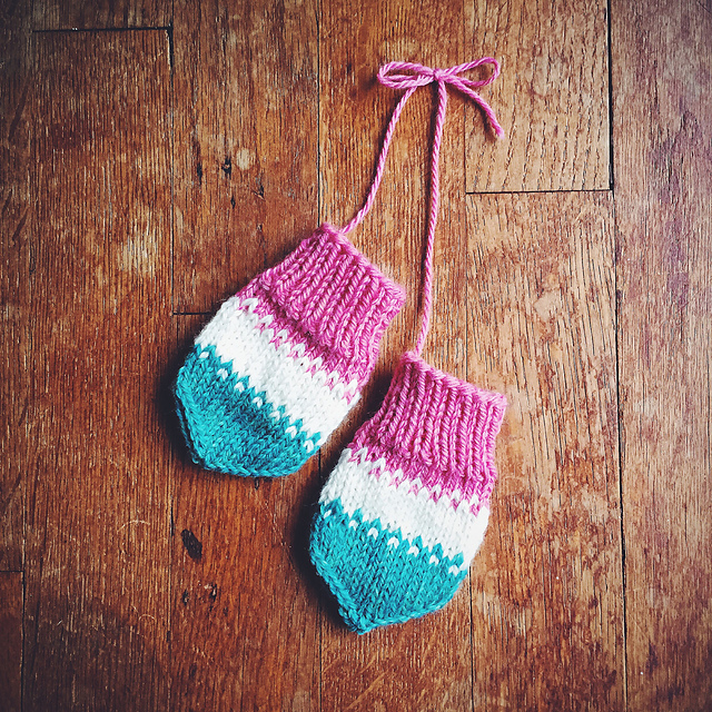 Ravelry Rocket Pop Baby Mitts Pattern By Andrea Mowry