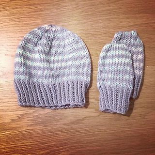 9c41b449 Ravelry: Simple Stripes Baby Hat & Mittens pattern by marianna mel