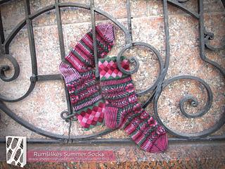 Lkct_rumsiskes_in_summer_socks_img_5303-logolarge_small2