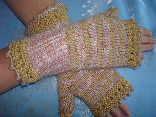 Lisa_s_gloves_small2