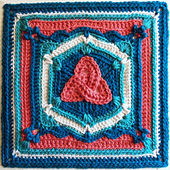 Triquetra_afghan_block_small_best_fit