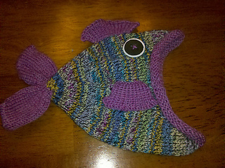 Rainbow_fish_hat_side_small2