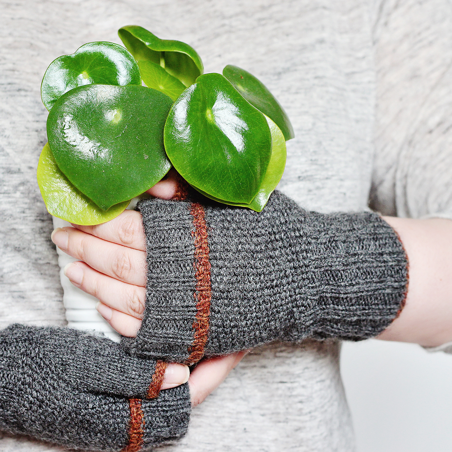 Graine Fingerless Mitts pattern by behindtheivy