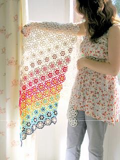 _emma_lamb_-_hexipetl_daisy_shawl_-_6_a_small2