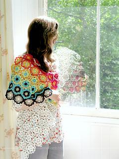_emma_lamb_-_hexipetl_daisy_shawl_-_1_a_small2
