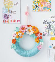 Crochet_home_-_blossom_wreath_beauty_image_small